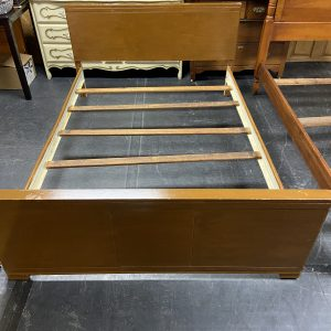 Local Pick Up Only Full Size Wooden Bed Full bed