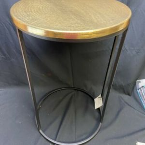 FURNITURE Project 62 Accent Table – black Metal W Gold top