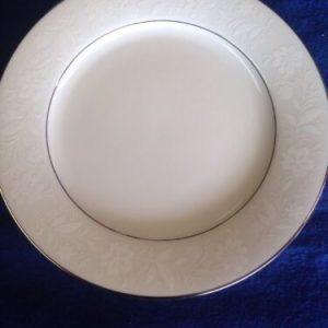 "Tableware Noritake Ranier 6909 White Floral Gold Trim Lunch Plates (8 1/4"") Japan Mint [tag]"