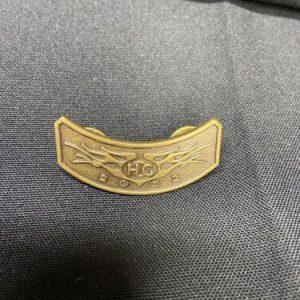 HARLEY DAVIDSON 2002 HOG Harley Davidson Brass Tone Metal Pin Pinback Biker Hat Jacket