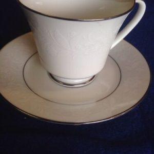 Glasses & Mugs Noritake Ranier 6909 Cup & Saucer White Floral Wedding Tea Party